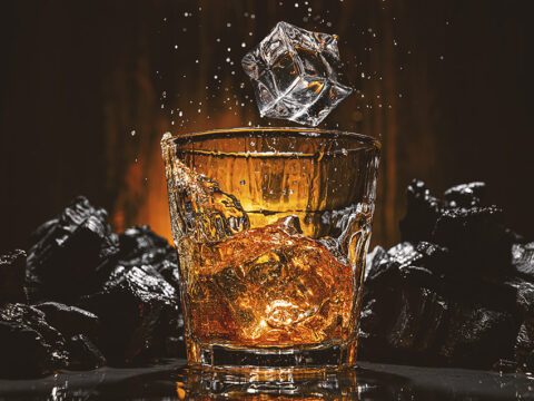 Бокал виски