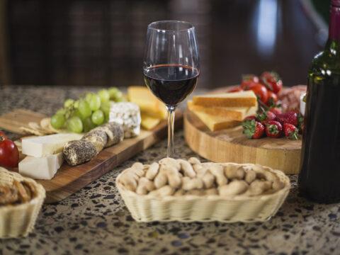 Блюда и закуски к красному вину